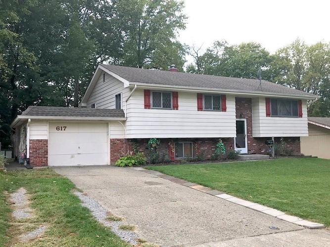 617 Edwards Avenue Indianapolis, IN 46107 | MLS 21675273 | photo 2