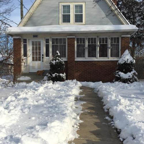 2422 E 11TH Street Indianapolis, IN 46201 | MLS 21675282 | photo 1