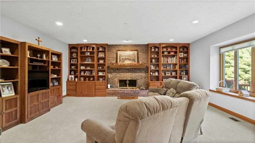 7002 Bluffridge Place Indianapolis, IN 46278 | MLS 21675330 | photo 10