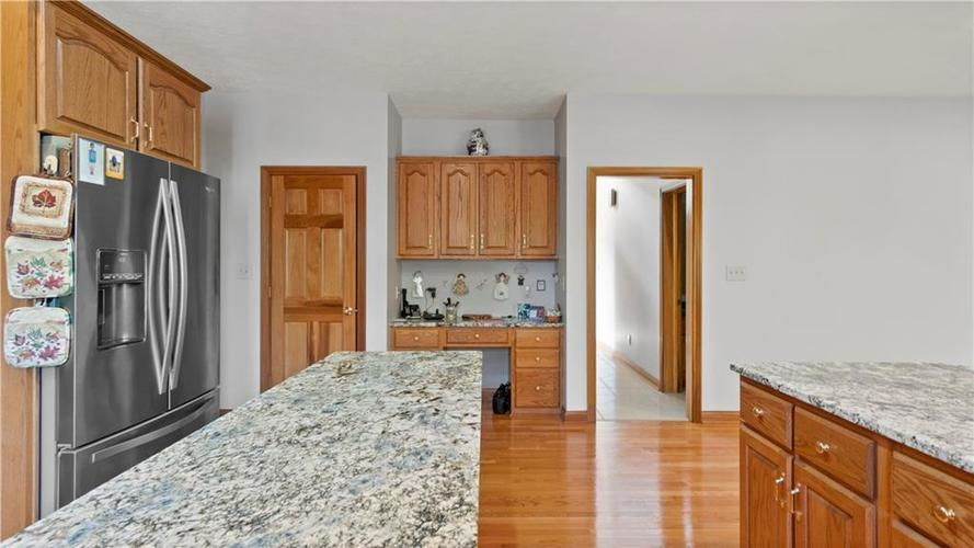 7002 Bluffridge Place Indianapolis, IN 46278 | MLS 21675330 | photo 6