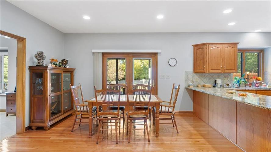 7002 Bluffridge Place Indianapolis, IN 46278 | MLS 21675330 | photo 8