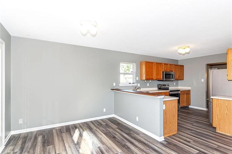 8615 Longspur Court Indianapolis, IN 46234 | MLS 21675342 | photo 10