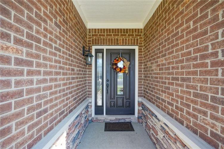 937 Miller Court Greenfield, IN 46140 | MLS 21675368 | photo 4