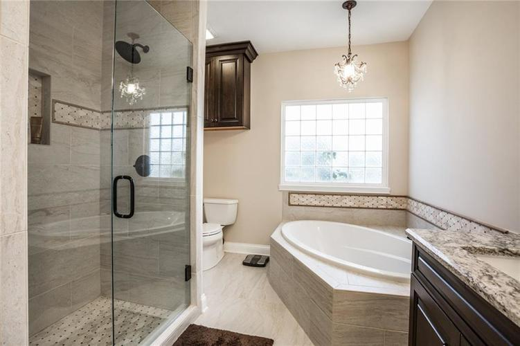 7010 Dior Court Indianapolis, IN 46278 | MLS 21675384 | photo 27