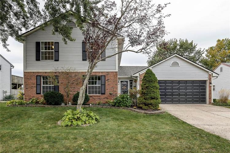 7460 Southern Lakes Drive Indianapolis, IN 46237 | MLS 21675402 | photo 1