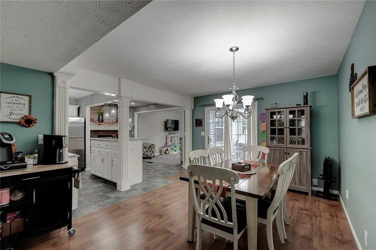 7460 Southern Lakes Drive Indianapolis, IN 46237 | MLS 21675402 | photo 12