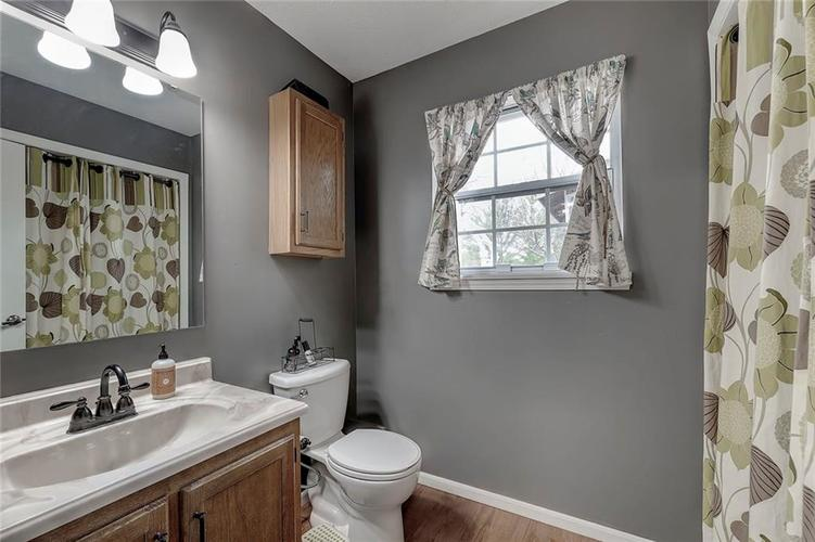 7460 Southern Lakes Drive Indianapolis, IN 46237 | MLS 21675402 | photo 14