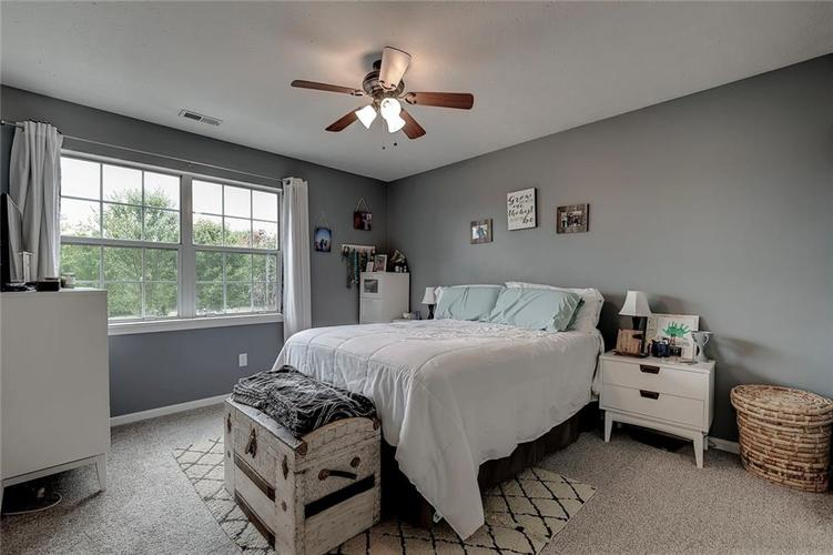 7460 Southern Lakes Drive Indianapolis, IN 46237 | MLS 21675402 | photo 15