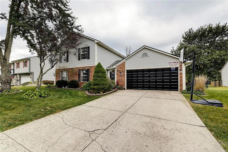7460 Southern Lakes Drive Indianapolis, IN 46237 | MLS 21675402 | photo 2
