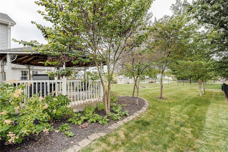 7460 Southern Lakes Drive Indianapolis, IN 46237 | MLS 21675402 | photo 22