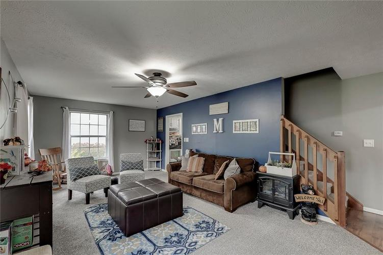 7460 Southern Lakes Drive Indianapolis, IN 46237 | MLS 21675402 | photo 6