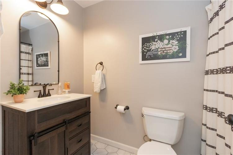 417 Hickory Lane Plainfield, IN 46168 | MLS 21675452 | photo 20