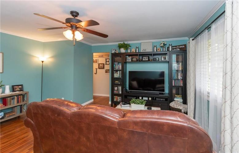 417 Hickory Lane Plainfield, IN 46168 | MLS 21675452 | photo 5