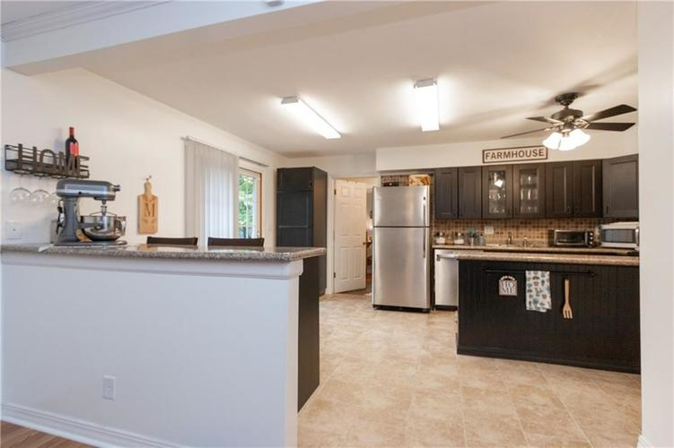 417 Hickory Lane Plainfield, IN 46168 | MLS 21675452 | photo 9