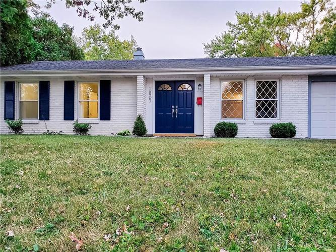1807 W Wilno Drive Marion, IN 46952 | MLS 21675484 | photo 1