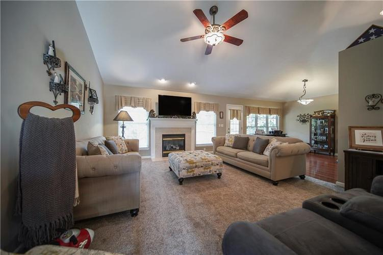 5929 E State Road 45 Bloomington, IN 47408 | MLS 21675561 | photo 11