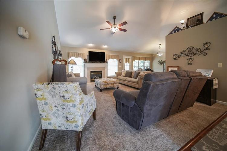 5929 E State Road 45 Bloomington, IN 47408 | MLS 21675561 | photo 12