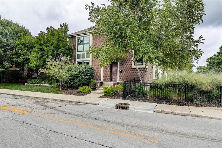 630 E Saint Clair Street Indianapolis, IN 46202 | MLS 21675568 | photo 46