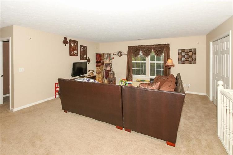 4454 Hunters Crossing Circle Indianapolis, IN 46239 | MLS 21675587 | photo 16