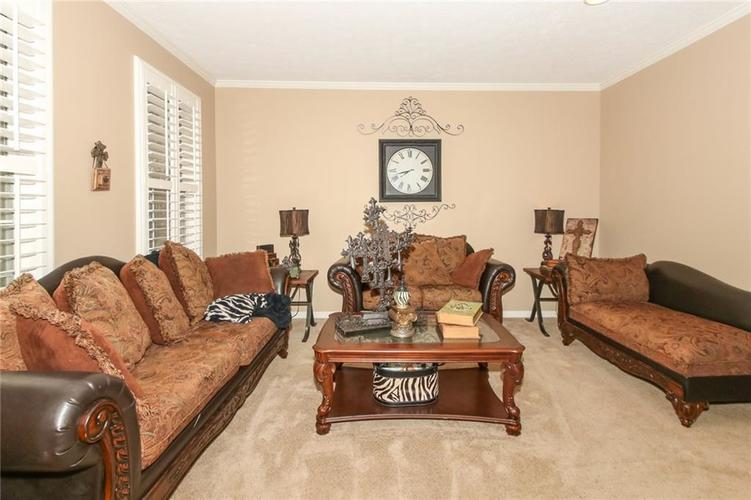 4454 Hunters Crossing Circle Indianapolis, IN 46239 | MLS 21675587 | photo 4