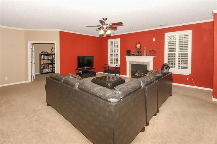4454 Hunters Crossing Circle Indianapolis, IN 46239 | MLS 21675587 | photo 8