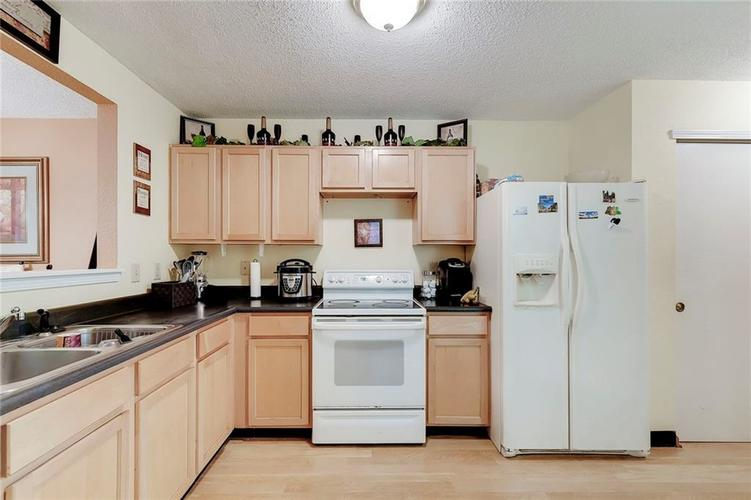 5236 Austral Drive Indianapolis, IN 46254   MLS 21675592   photo 11