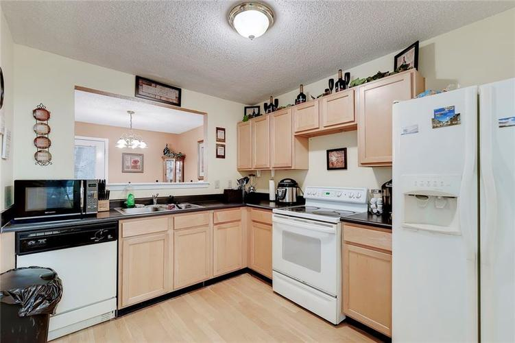 5236 Austral Drive Indianapolis, IN 46254   MLS 21675592   photo 13