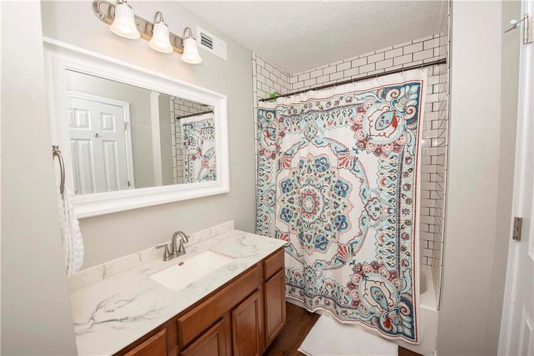 6458 Decatur Commons Indianapolis, IN 46221 | MLS 21675593 | photo 15