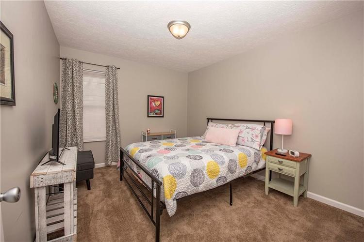 6458 Decatur Commons Indianapolis, IN 46221 | MLS 21675593 | photo 16