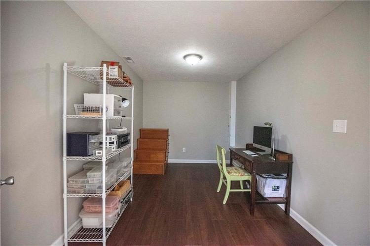 6458 Decatur Commons Indianapolis, IN 46221 | MLS 21675593 | photo 23