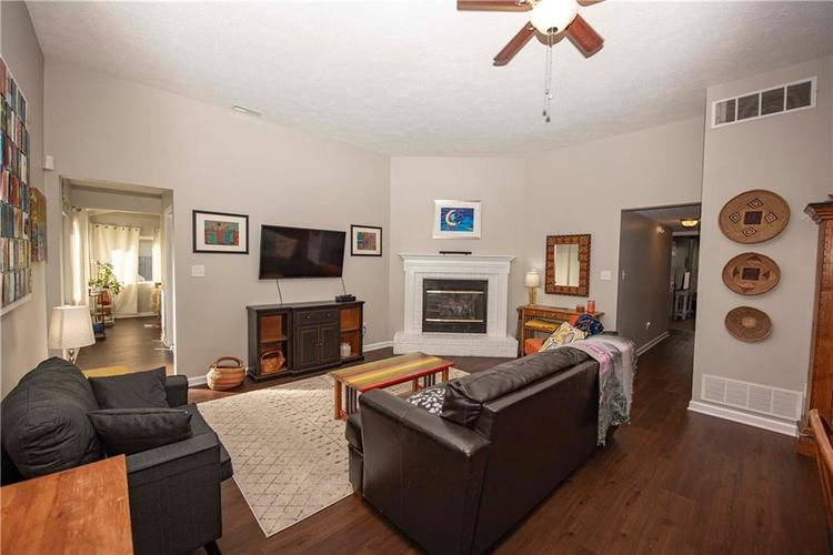 6458 Decatur Commons Indianapolis, IN 46221 | MLS 21675593 | photo 6
