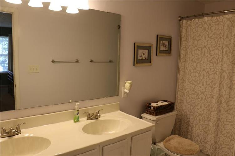 6005 Selby Court Noblesville, IN 46062   MLS 21675617   photo 11