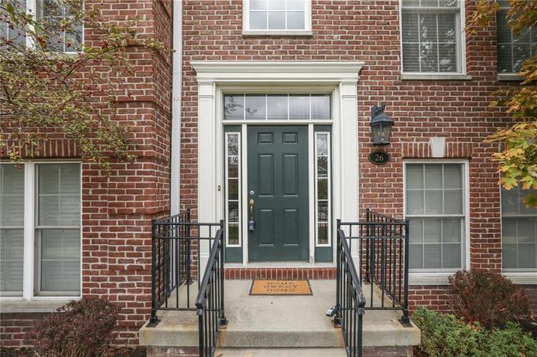 26 E 86th Street Indianapolis, IN 46240 | MLS 21675639 | photo 2