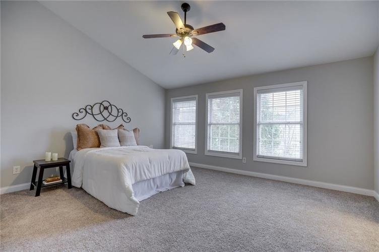 26 E 86th Street Indianapolis, IN 46240 | MLS 21675639 | photo 20