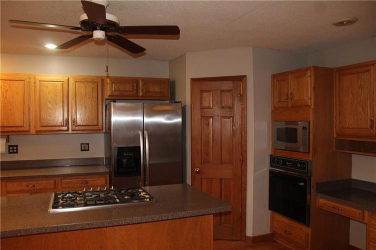 8300 N Wilderness Road Muncie, IN 47303 | MLS 21675657 | photo 12