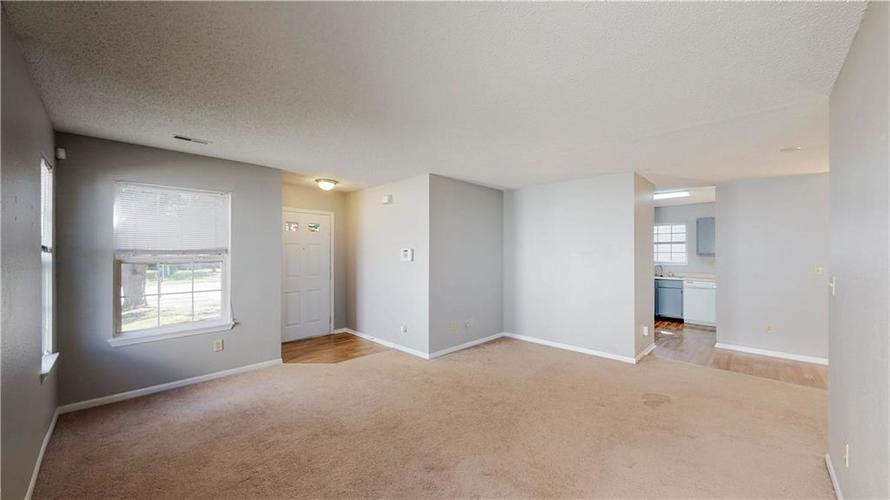 6514 Townsend Way Indianapolis, IN 46268 | MLS 21675675 | photo 6
