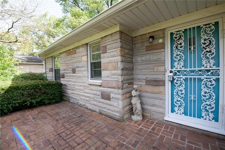 8343 N College Avenue Indianapolis, IN 46240 | MLS 21675682 | photo 3