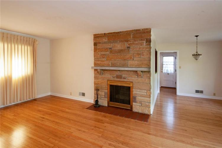 8343 N College Avenue Indianapolis, IN 46240 | MLS 21675682 | photo 6
