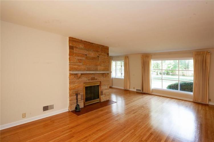 8343 N College Avenue Indianapolis, IN 46240 | MLS 21675682 | photo 8