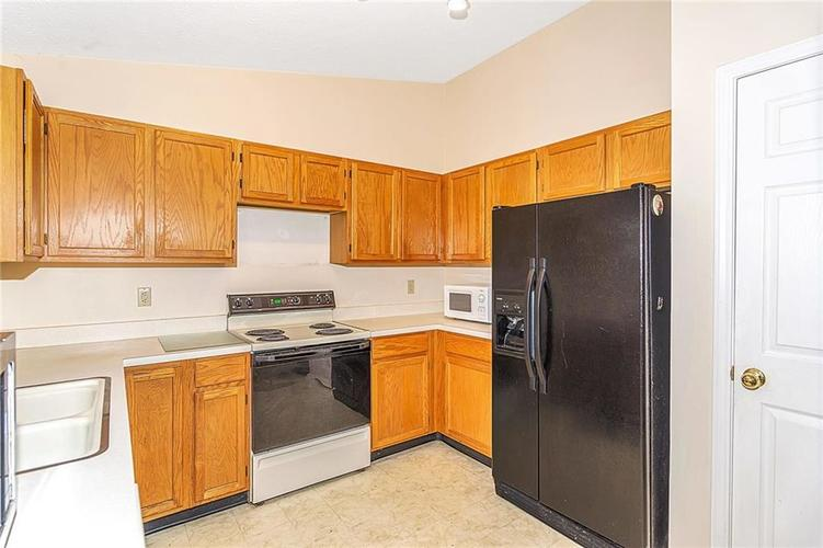 4034 Cherry Blossom Boulevard Indianapolis, IN 46237 | MLS 21675695 | photo 11