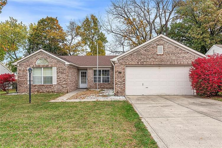 4034 Cherry Blossom Boulevard Indianapolis, IN 46237 | MLS 21675695 | photo 2