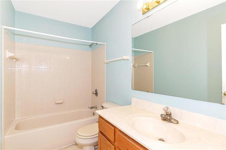 4034 Cherry Blossom Boulevard Indianapolis, IN 46237 | MLS 21675695 | photo 23