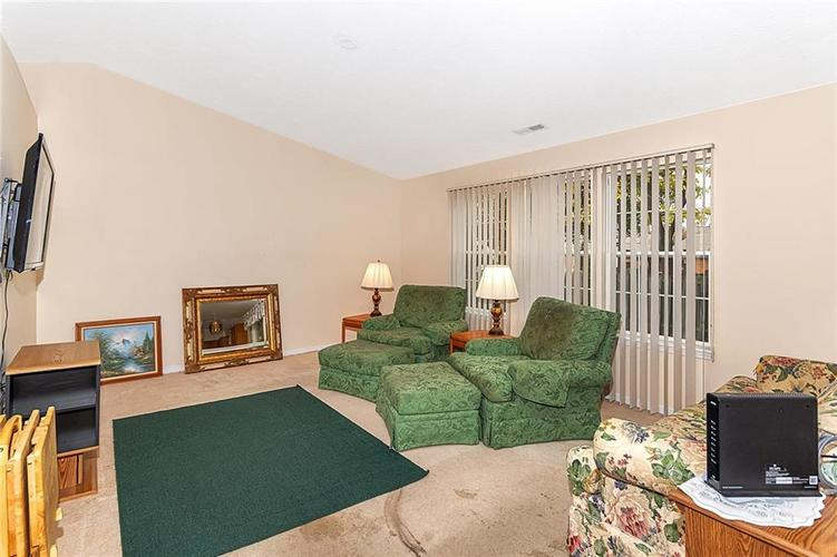 4034 Cherry Blossom Boulevard Indianapolis, IN 46237 | MLS 21675695 | photo 5