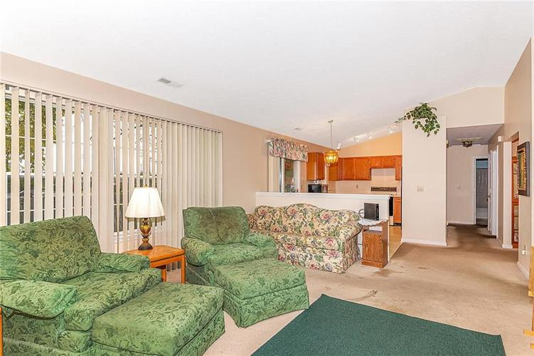 4034 Cherry Blossom Boulevard Indianapolis, IN 46237 | MLS 21675695 | photo 6