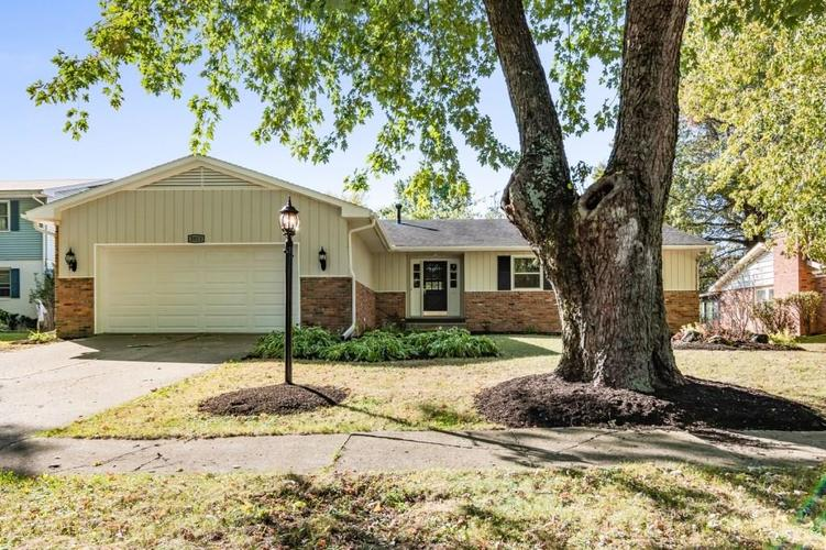 3013 W Woodbridge Drive Muncie, IN 47304 | MLS 21675704 | photo 2