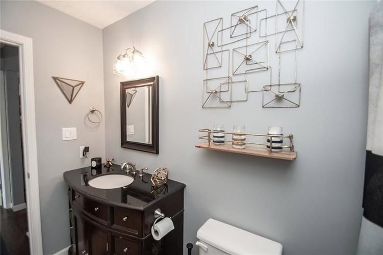 8331 Gallant Fox Drive Indianapolis, IN 46217 | MLS 21675709 | photo 29
