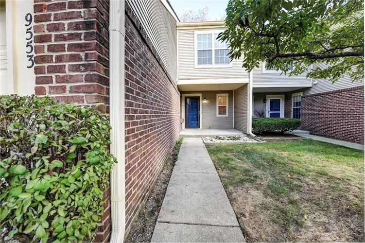 9553 Aberdare Drive Indianapolis, IN 46250   MLS 21675723   photo 2