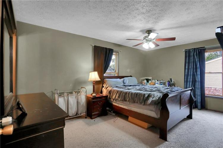5303 W Thompson Road Indianapolis, IN 46221 | MLS 21675744 | photo 11