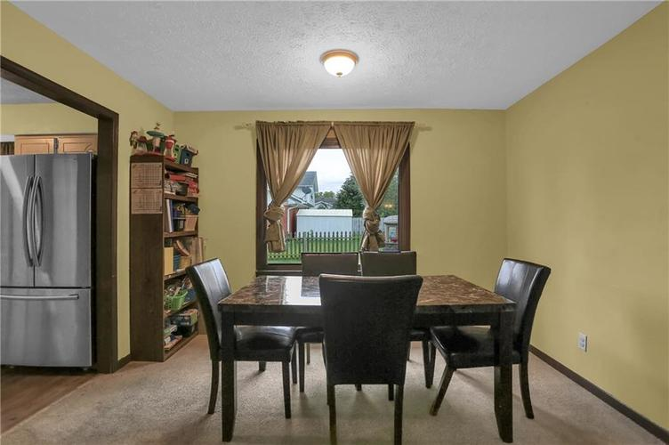 5303 W Thompson Road Indianapolis, IN 46221 | MLS 21675744 | photo 6