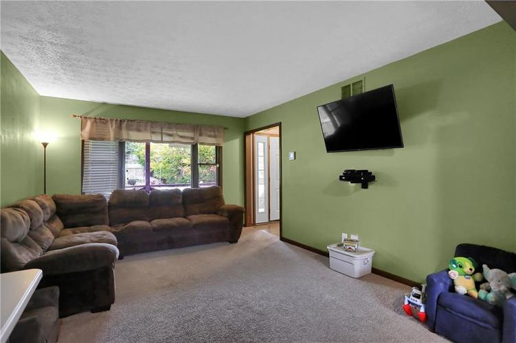 5303 W Thompson Road Indianapolis, IN 46221 | MLS 21675744 | photo 7